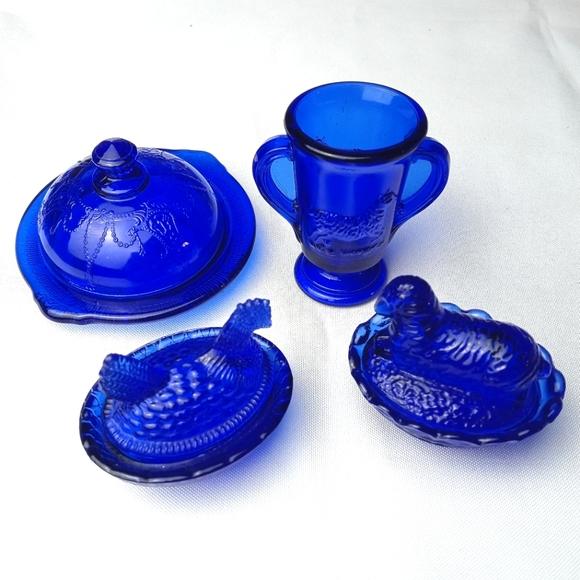 Vintage Cobalt Blue Glass Bundle Hen on Nest